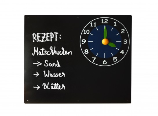 Kreidetafel mit Uhr